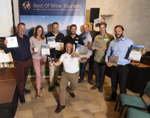 Photo d'ensemble des lauréats 2021 des 4eme prix suisse de l'oenotourisme - 03.09.2021 - Château Aigle